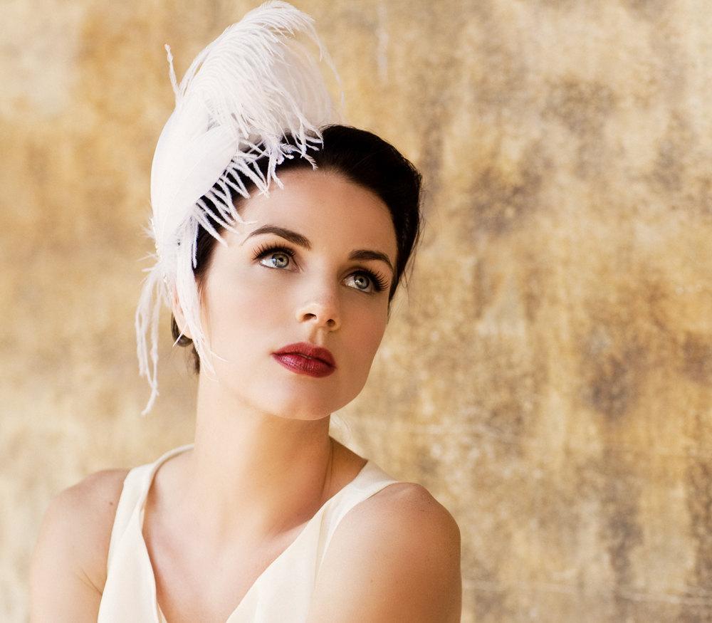 Vintage-bride-feather-facinator.full