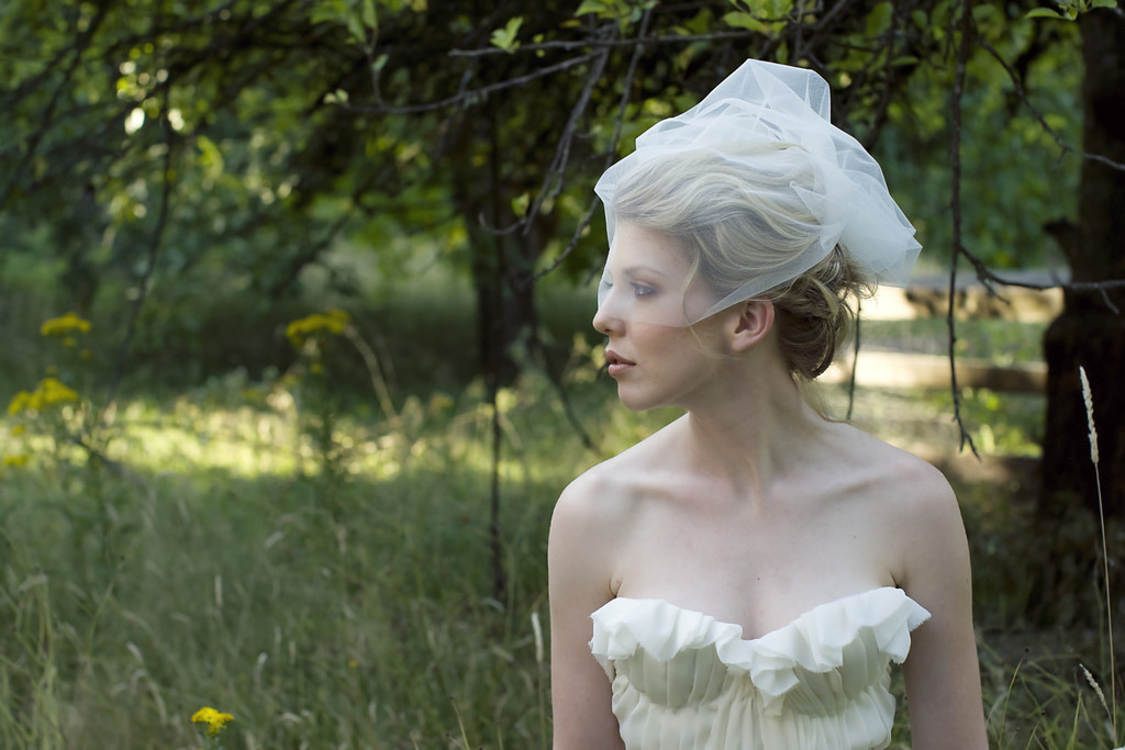 Soft-tulle-bridal-veil-romantic-wedding.full