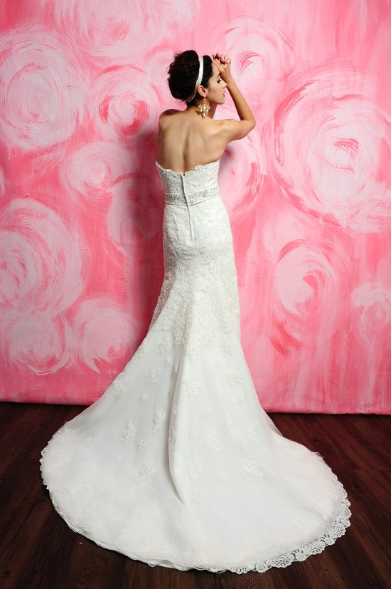 photo of 2388 Dress