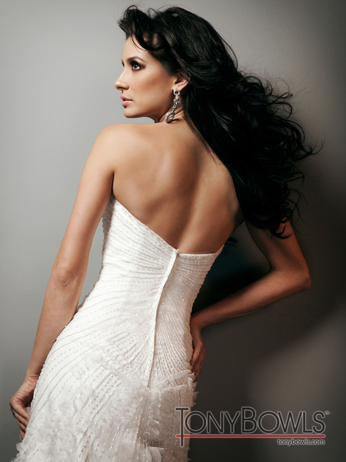 Wedding-dress-fall-2012-tony-bowls-for-mon-cheri-bridal-gowns-t212272-back.full