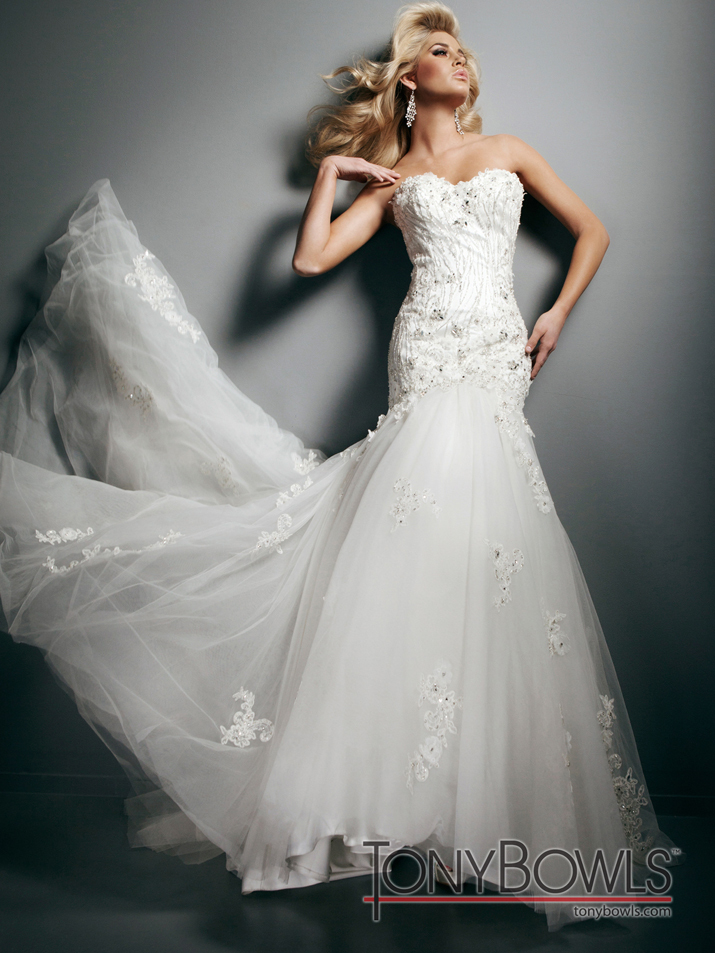 Wedding-dress-fall-2012-tony-bowls-for-mon-cheri-bridal-gowns-t212271-alt.full