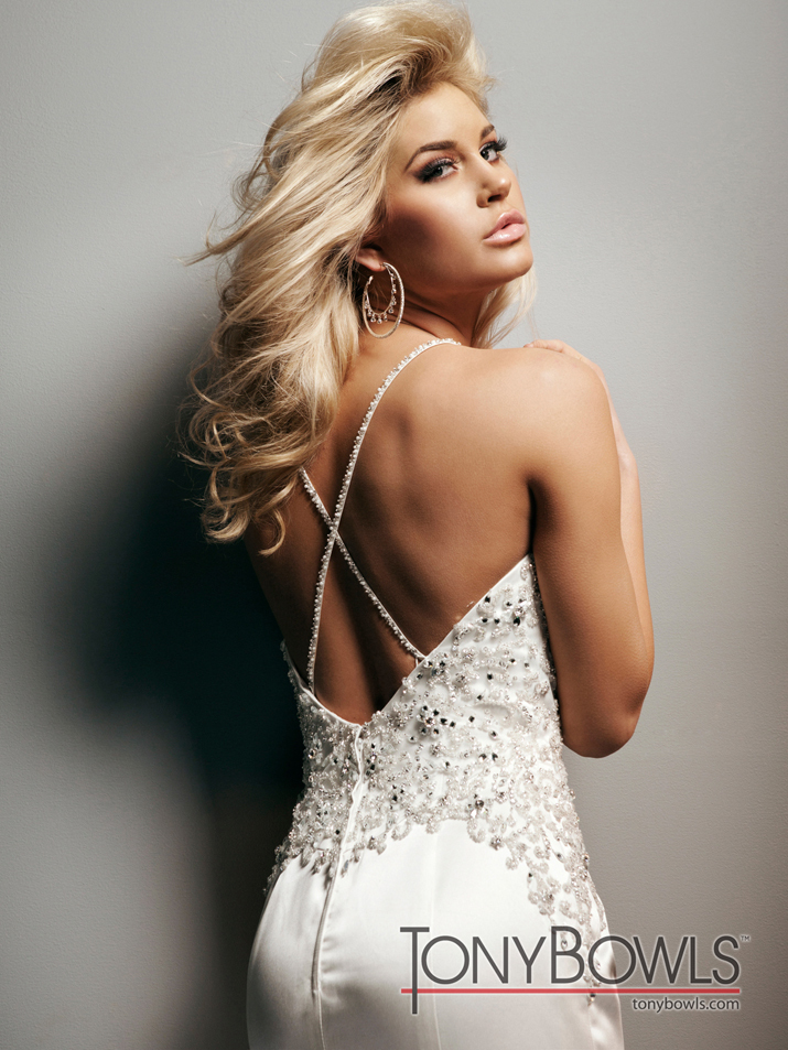 Wedding-dress-fall-2012-tony-bowls-for-mon-cheri-bridal-gowns-t212269-back.full