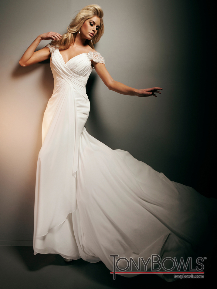 Wedding-dress-fall-2012-tony-bowls-for-mon-cheri-bridal-gowns-t212267-alt.full