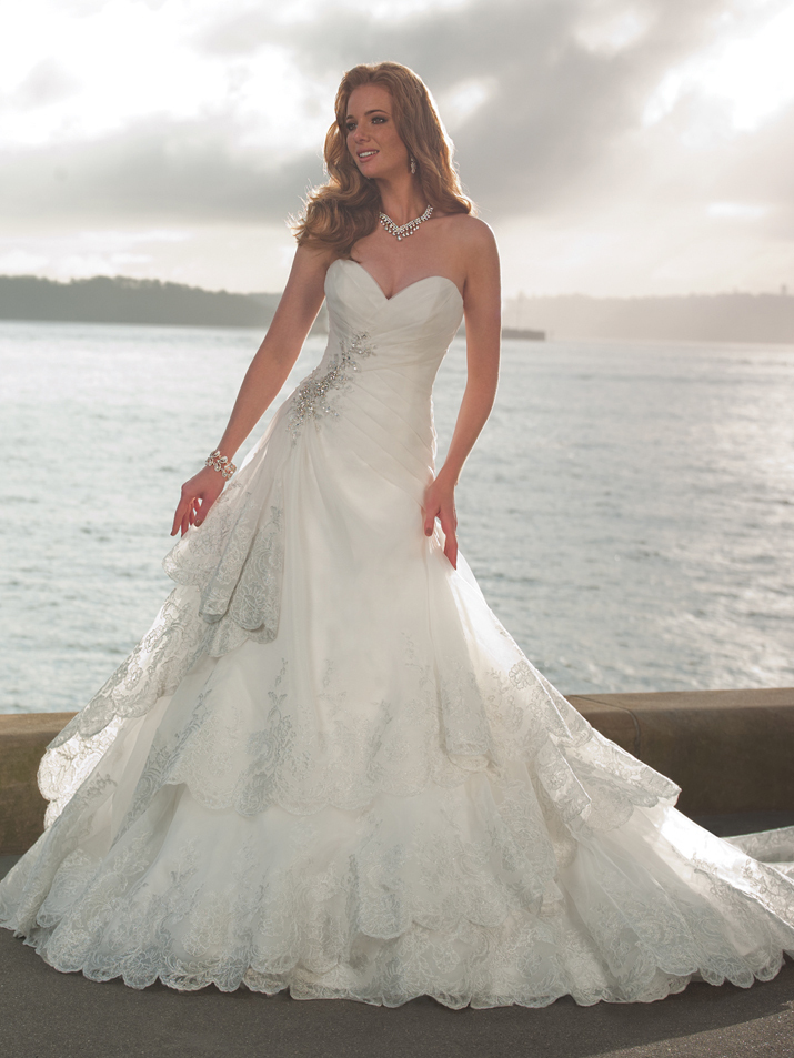 Wedding-dress-fall-2012-sophia-tolli-for-mon-cheri-bridal_gown-y21264-mallory.full