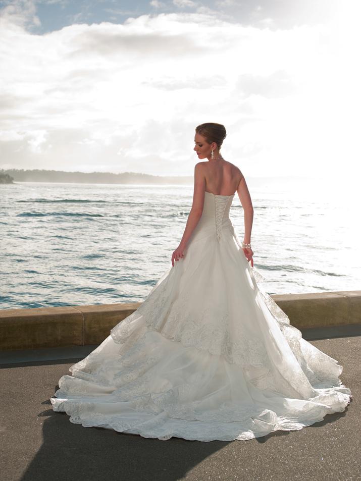 Wedding-dress-fall-2012-sophia-tolli-for-mon-cheri-bridal_gown-y21264-mallory-back.full