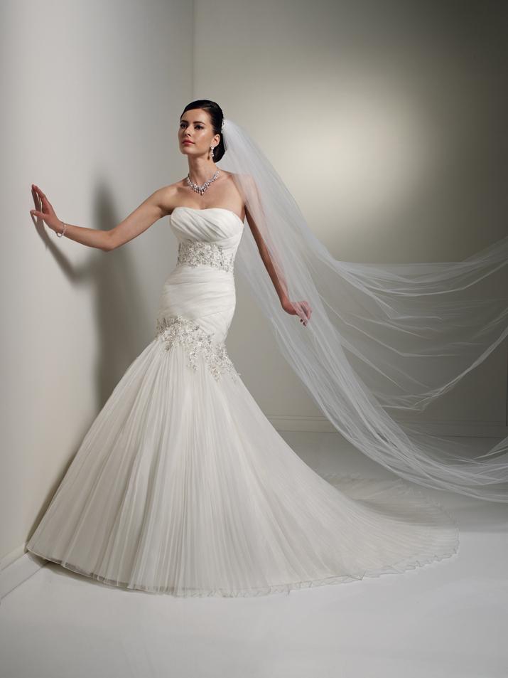 Wedding-dress-fall-2012-sophia-tolli-for-mon-cheri-bridal_gown-y21260-diane.full