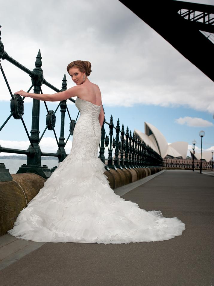 Wedding-dress-fall-2012-sophia-tolli-for-mon-cheri-bridal_gown-y21259-jackie-back.full