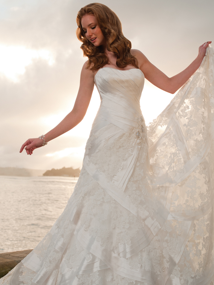 Wedding-dress-fall-2012-sophia-tolli-for-mon-cheri-bridal_gown-y21253-nautica-alt.full