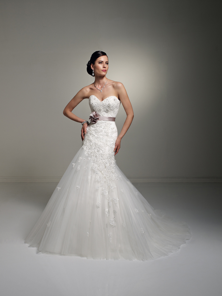 Wedding-dress-fall-2012-sophia-tolli-for-mon-cheri-bridal_gown-y21246-jillian.full
