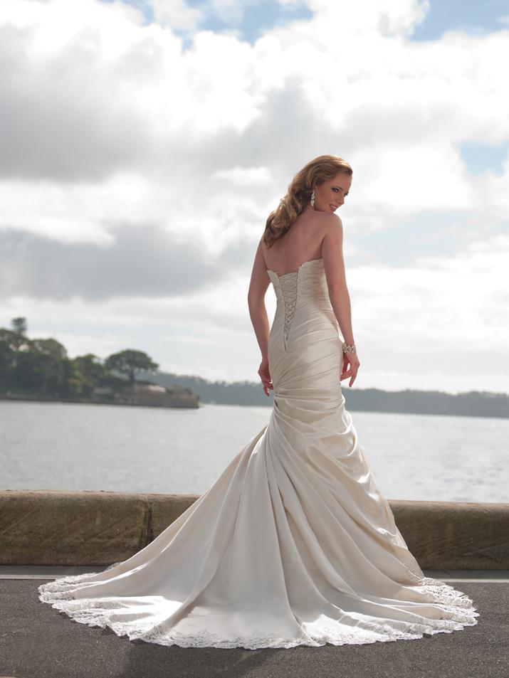 Wedding-dress-fall-2012-sophia-tolli-for-mon-cheri-bridal_gown-y21242-joan-back.full