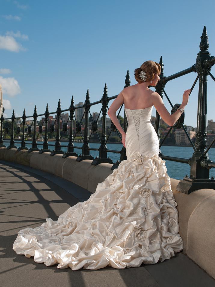 Wedding-dress-fall-2012-sophia-tolli-for-mon-cheri-bridal_gown-y21240-mirabelle-back.full