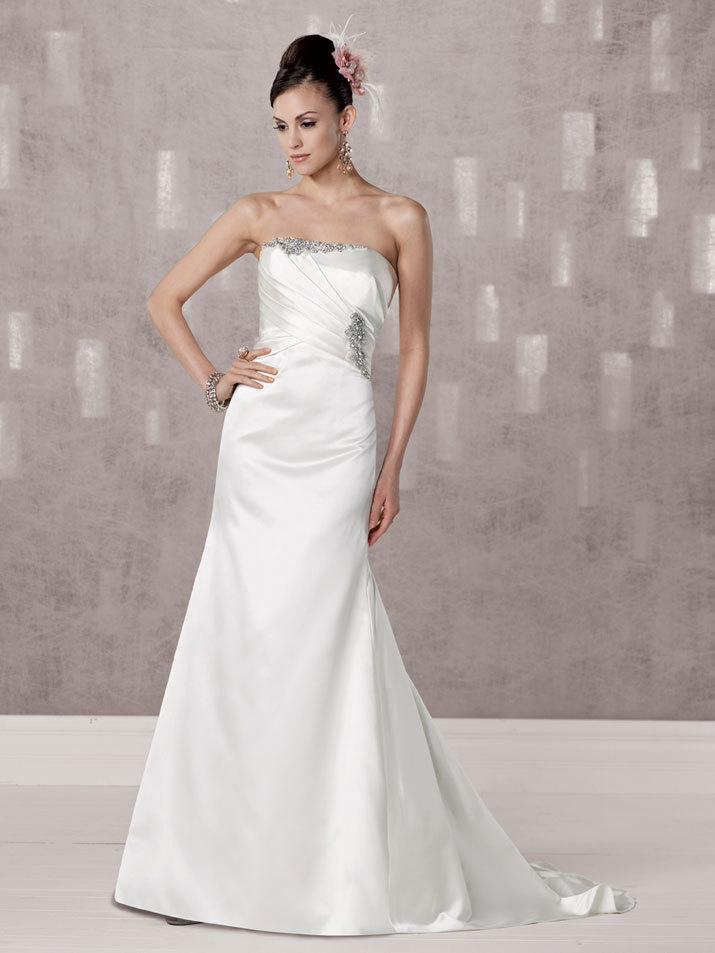 Bridal-gown-fall-2012-kathy-ireland-for-mon-cheri-wedding-dress-231249.full
