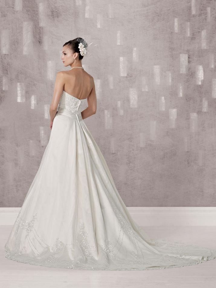 Bridal-gown-fall-2012-kathy-ireland-for-mon-cheri-wedding-dress-231238-back.full
