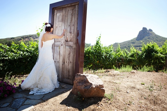creative first look wedding photo outdoor weddings California 2