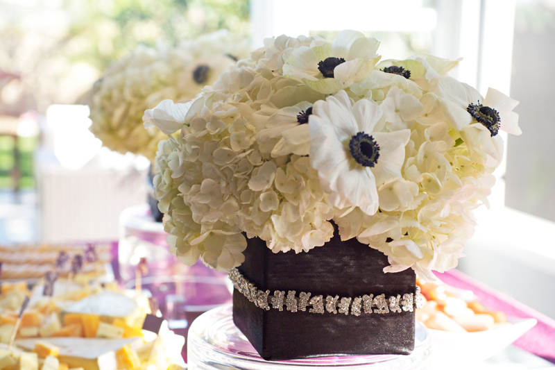 Simple-anemone-wedding-centerpiece.full