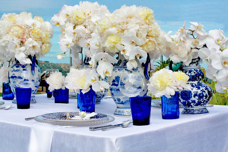 Beach-wedding-decor-orchid-centerpieces.full