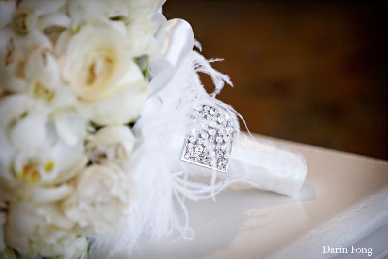 Monochromatic-ivory-white-bridal-bouquet-elegant-wedding-flowers.full