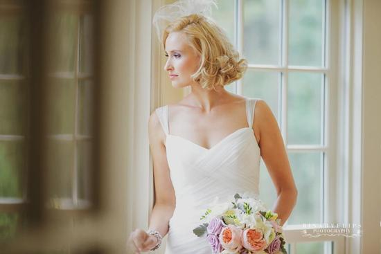 blonde vintage bride short wedding hair 3
