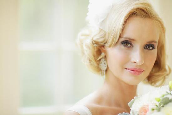 blonde vintage bride short wedding hair 2