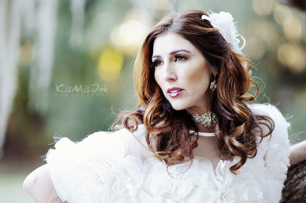 All-down-wedding-hairstyle-mature-vintage-bride.full