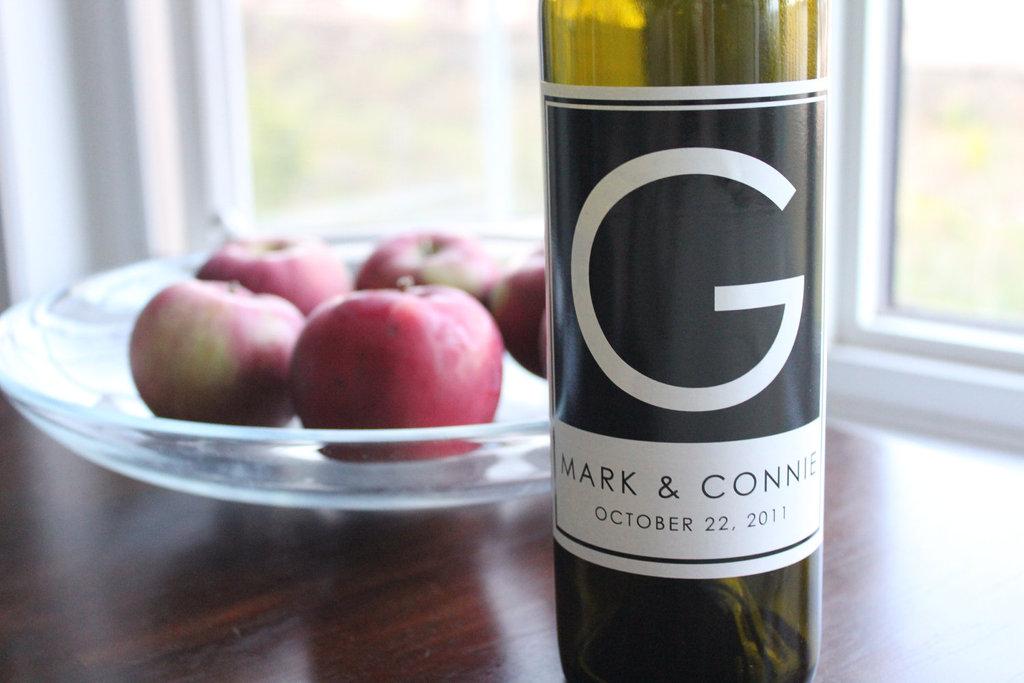 Custom-wedding-monogram-on-wine-bottles-for-guests.full