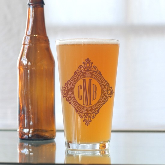 custom wedding guest favors beer glasses