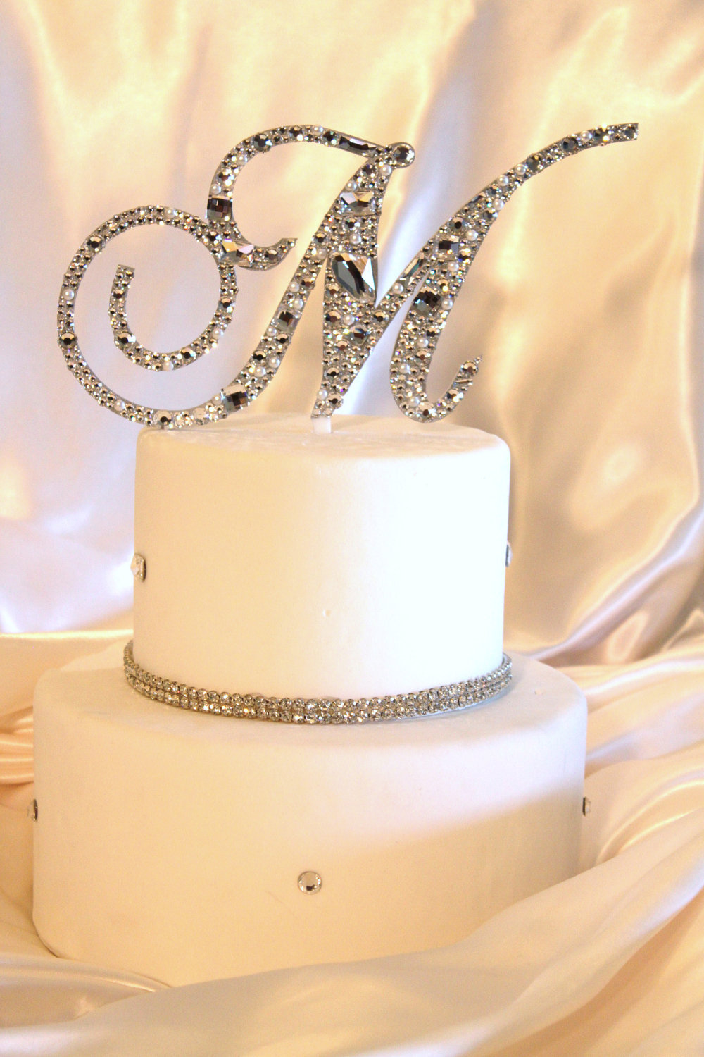 Ideas-to-incorporate-a-custom-wedding-monogram-etsy-weddings-cake-topper.full