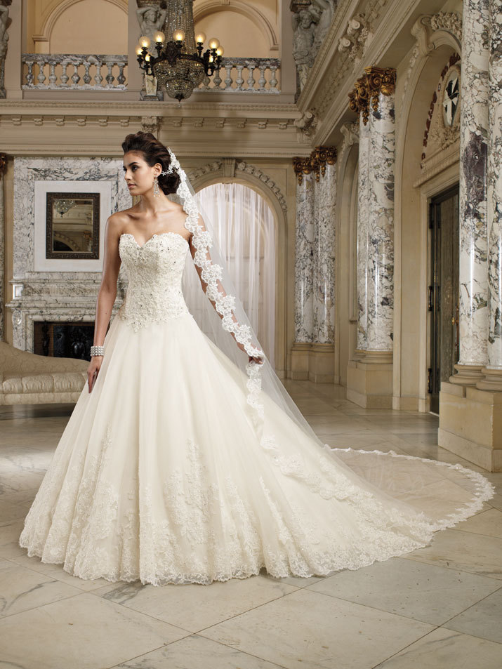 Wedding-dress-david-tutera-fall-2012-mon-cheri-bridal-gown-nevaeh-212245.full