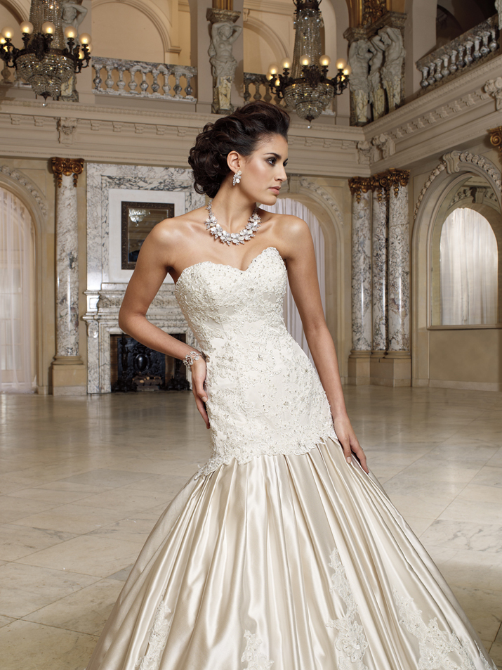 Wedding-dress-david-tutera-fall-2012-mon-cheri-bridal-gown-mary-212241-crop.full