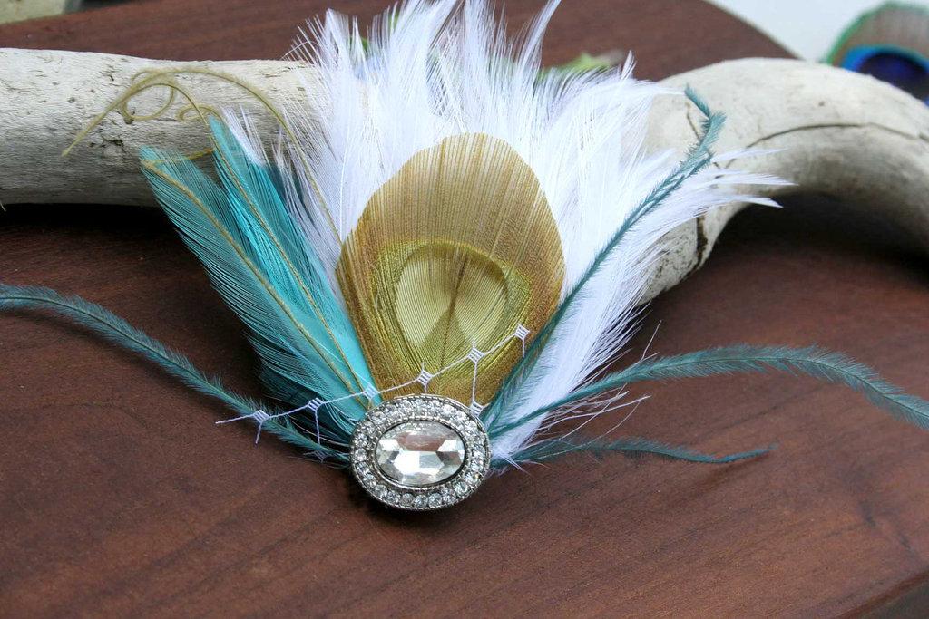 Art-deco-wedding-hair-accessories-feather-fascinator.full