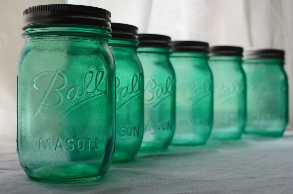 Aqua-mason-jars-for-vintage-weddings.full