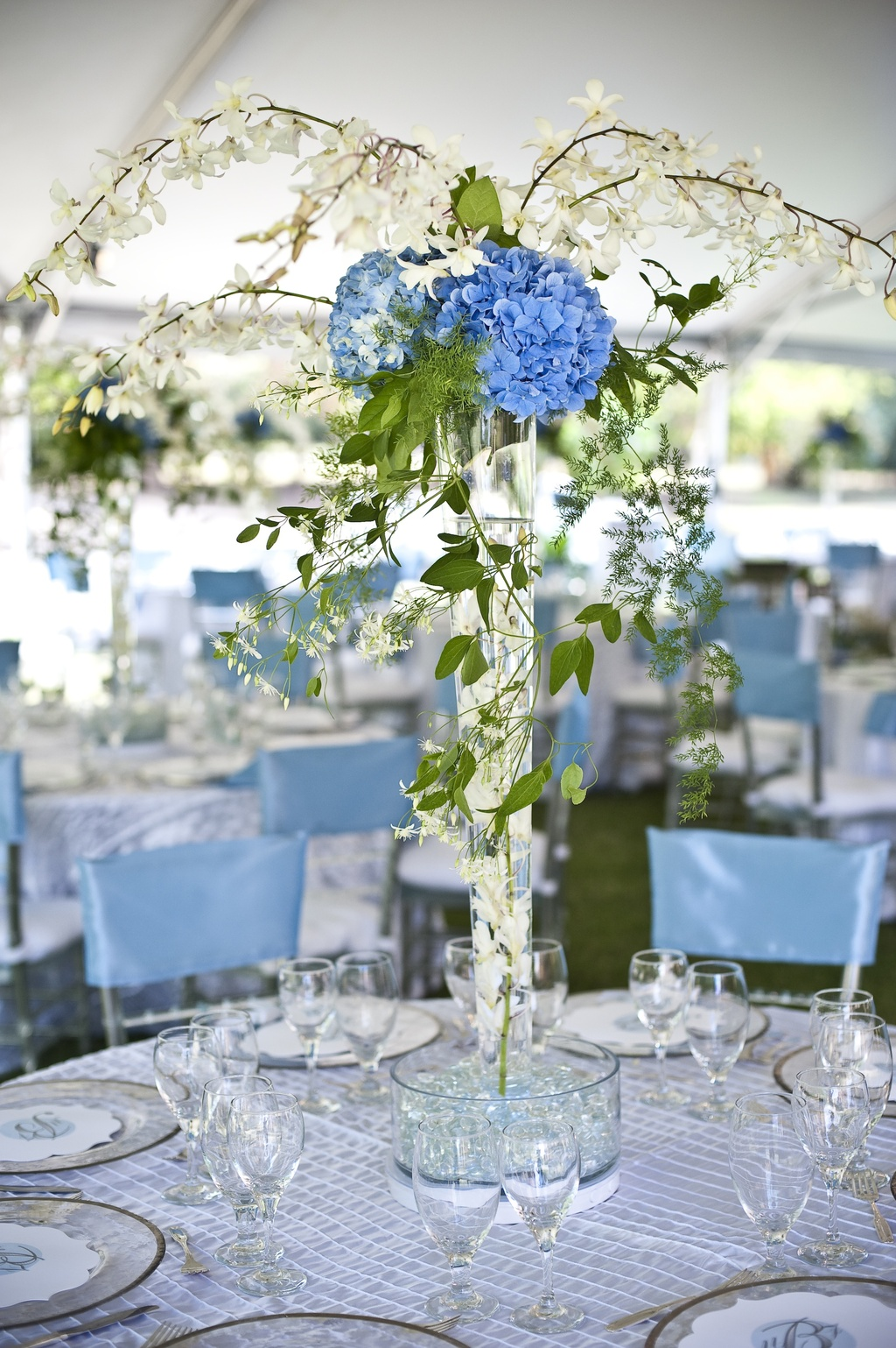 elegant hydrangea wedding centerpiece blue green ivory