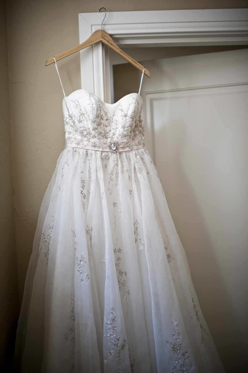Classic-fall-wedding-romantic-wedding-dress.full