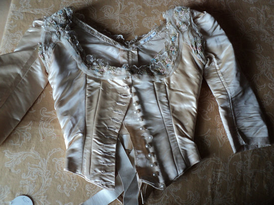 photo of 19th century French wedding bodice