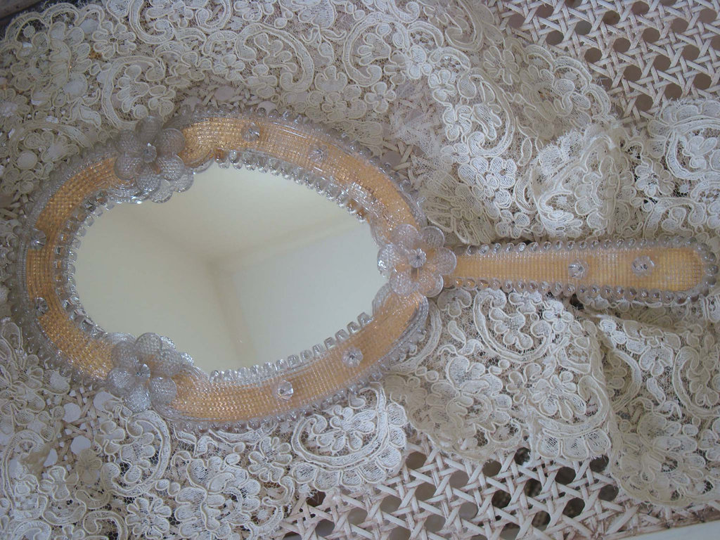 victorian mirror for brides