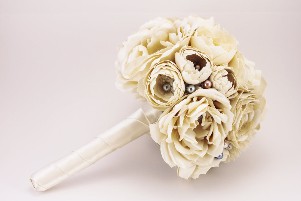 Alternative-bridal-bouquet-made-from-vintage-wedding-dress.full