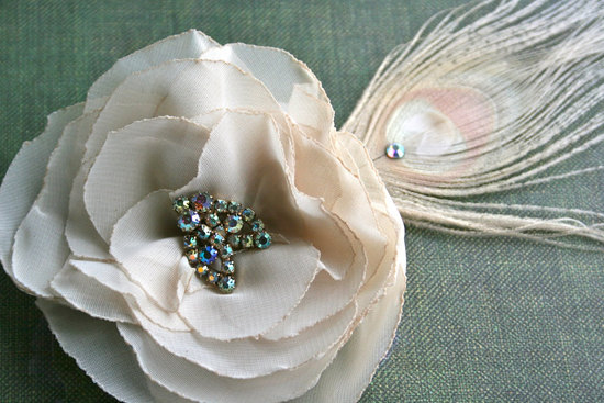 vintage wedding hair accessories feather fascinator beige blush