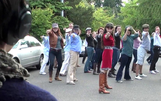 viral marriage proposal- well-choreographed and GLEE-tastic