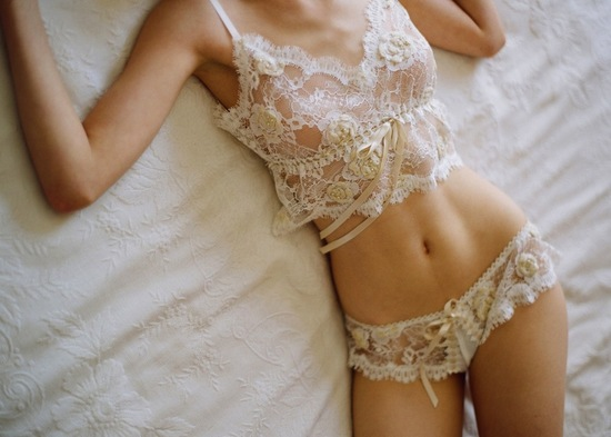 romantic wedding lingerie bridal boudoir photos lace 1