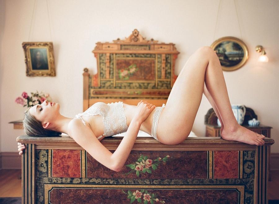 Romantic-wedding-lingerie-bridal-boudoir-photos-lace-2.full