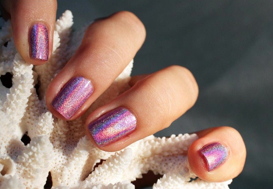 Shimmer-pink-wedding-nails.full