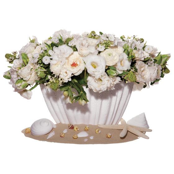 Unique-wedding-centerpiece-star-of-bethlehem-ranunculus-peonies-garden-roses-phlox-lisianthus-freesia-tweedia-hellebores-seashells-sand.full