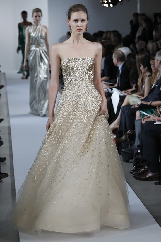 oscar de la renta wedding dress inspiration 2013 resort 16
