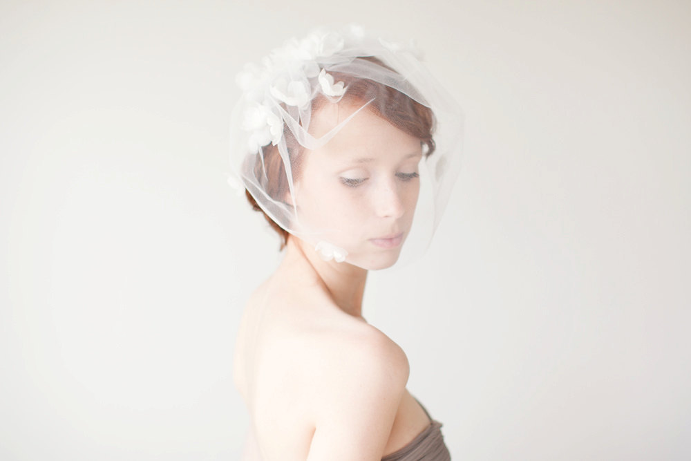 Romantic-birdcage-veil-sibo-designs-wedding-accessories.full
