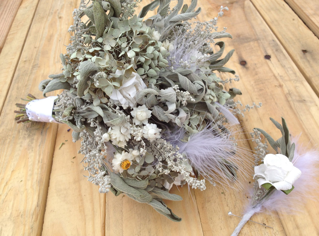 Etsy-wedding-treasures-for-your-handmade-wedding-glam-feathers-dried-bridal-bouquet.full