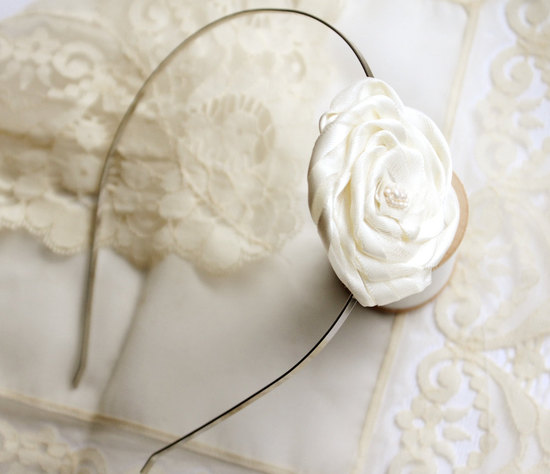 simple floral headband for bridesmaids