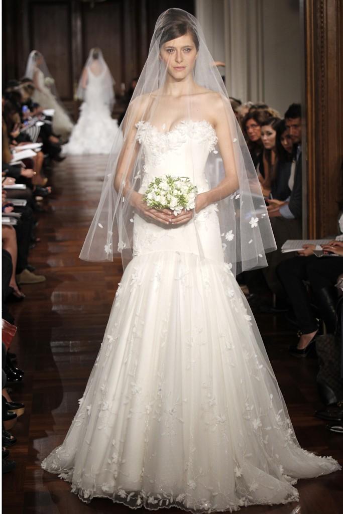 Wedding-dress-fall-2012-bridal-gowns-romona-keveza-rk137.full