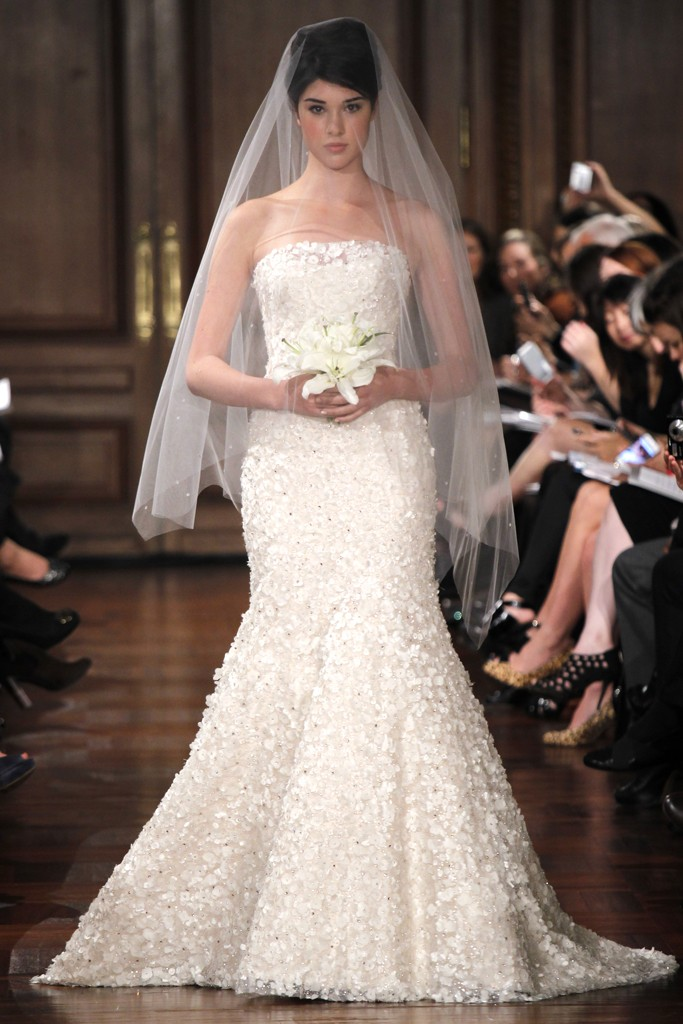Wedding-dress-fall-2012-bridal-gowns-romona-keveza-rk290.original