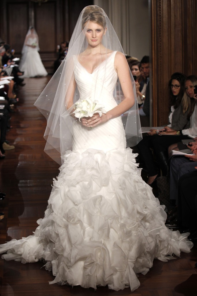 Wedding-dress-fall-2012-bridal-gowns-romona-keveza-rk296.full