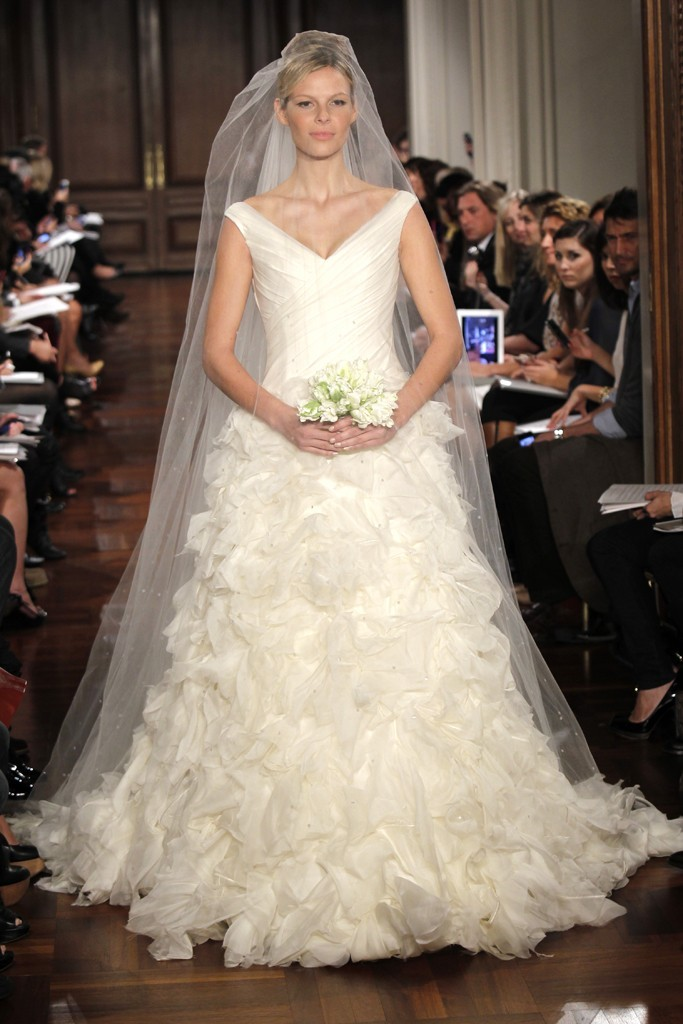 Wedding-dress-fall-2012-bridal-gowns-romona-keveza-rk298.full